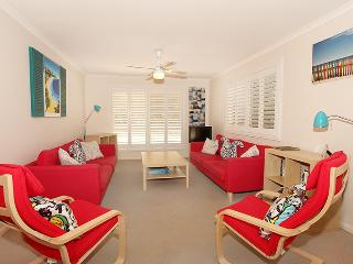 Unit 1/43 Mudjimba Esplanade, Mudjimba, Pet Friendly, BOND $500 - Mudjimba vacation rentals