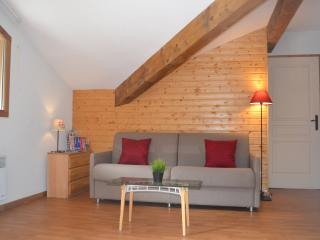 Orelle apartment 2BR Sleeping 6 - Orelle vacation rentals