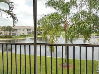 Exceptional lake and golf course views in Spanish Wells - Bonita Springs vacation rentals