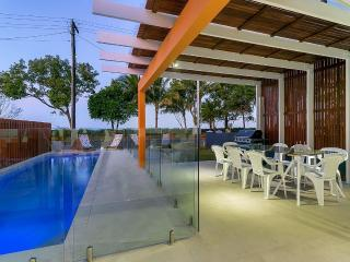 Arlington Beach House (Beachfront near Palm Cove) - Clifton Beach vacation rentals
