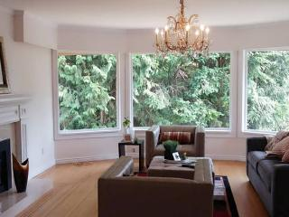 Luxurious House in West Vancouver - West Vancouver vacation rentals