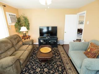 Comfortable Condo with Internet Access and A/C - Nashville vacation rentals