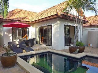 Villa with private swimming pool - Jomtien Beach vacation rentals
