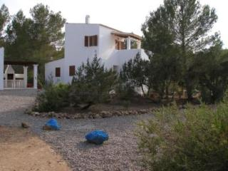 Bright 4 bedroom San Francisco Javier House with Satellite Or Cable TV - San Francisco Javier vacation rentals