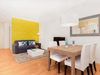 2 bedroom Apartment with Internet Access in Madrid - Madrid vacation rentals