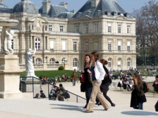 Stylish Parisian Living in an Unbeatable Location~ - Paris vacation rentals