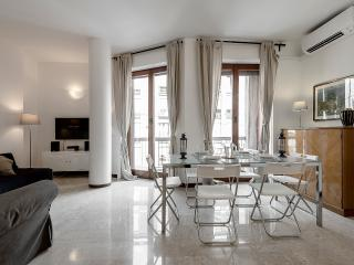 Nice 2 bedroom Milan Apartment with Internet Access - Milan vacation rentals