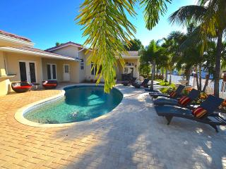 "By The Sea Vacation Villas LLC-""Casa Portofino"" HTD POOL MNS 2 BEACH STUNNING! - Fort Lauderdale vacation rentals"