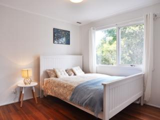 Bright 3 bedroom House in Inverloch - Inverloch vacation rentals