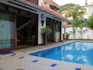 Beautiful Villa with Internet Access and A/C - Sinquerim vacation rentals