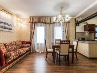 Ca' Vera - Lovely and relaxing one bedroom flat, air conditioning, Wi-Fi, in the heart of Castello. - Venice vacation rentals