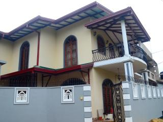 Bright 5 bedroom Galle House with Internet Access - Galle vacation rentals