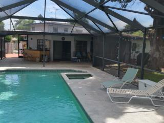 Huge 1/1 Apt, with all amenities - Wilton Manors vacation rentals