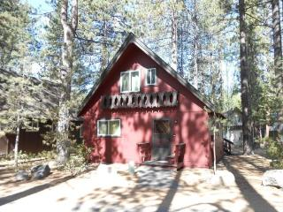 2323S-Nice cabin in the Pines, 3 bedroom sleeps up to eight - South Lake Tahoe vacation rentals