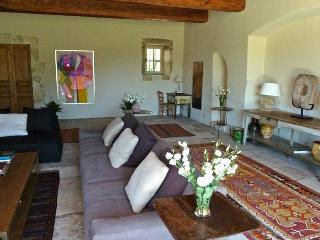 Family-Friendly Provence Farmhouse with Two Guest Houses - Le Mas de Bernadette - Eygalieres vacation rentals