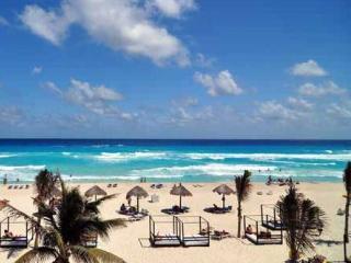 Grand Oasis RESORT- Junior Suite - Cancun vacation rentals