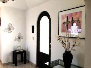 Cozy Condo with Internet Access and Satellite Or Cable TV - Cholula vacation rentals