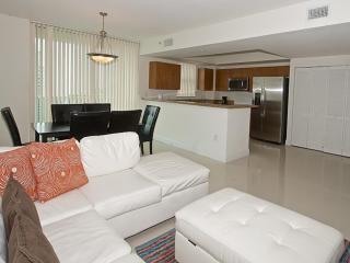 Minimal 2 Bedroom Apartment in Brickell - Miami vacation rentals