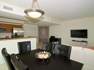 Minimal 2 Bedroom Apartment in Brickell - Miami vacation rentals