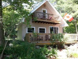 Three bedroom cottage, 45 min. north of Kingston - Elgin vacation rentals