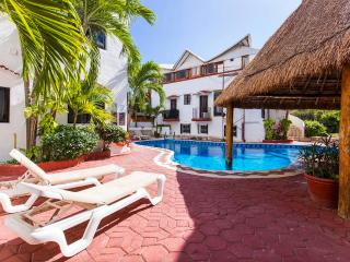One Bedroom Apartment with Pool View - Playa del Carmen vacation rentals