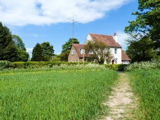 ROSEMOUNT, semi-detached, woodburner, lawned garden, walks from door, in Whitfield, Ref 921386 - Church Whitfield vacation rentals