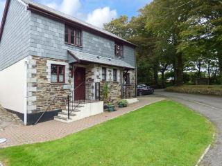 BLUEBELL COTTAGE, pets welcome, on-site facilities, woodburner, near Camelford - Camelford vacation rentals