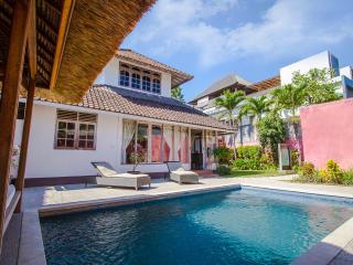 3 Bedrooms classic style Villa - Seminyak vacation rentals
