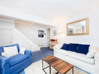 Minimum stay 90 days. Traditional 1 bedroom apartment with garden- - London vacation rentals