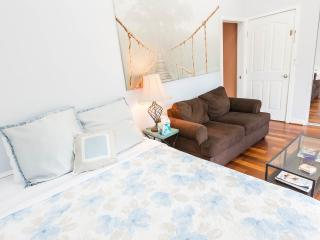 1 bedroom Bed and Breakfast with Internet Access in Los Angeles - Los Angeles vacation rentals