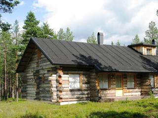 Nelimajat D Log Bungalows Lapland, Finland - Akaslompolo vacation rentals