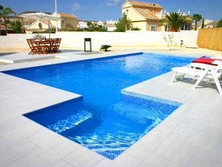 Stunning Modern Villa, UK TV, WIFI, Aircon & Pool - Mazarron vacation rentals