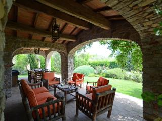 Nice Farmhouse Barn with Deck and Internet Access - Parrano vacation rentals