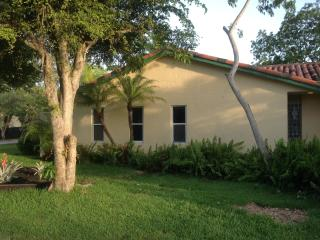 3 bedroom House with Internet Access in South Miami - South Miami vacation rentals