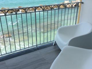 La terrazza sul mare - Casa sulla spiaggia - Pizzo vacation rentals