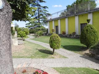 Nice Townhouse with Internet Access and Wireless Internet - Nocciano vacation rentals