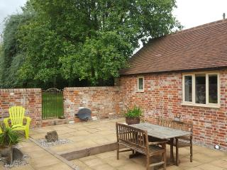 Charming Shalbourne vacation Cottage with Short Breaks Allowed - Shalbourne vacation rentals