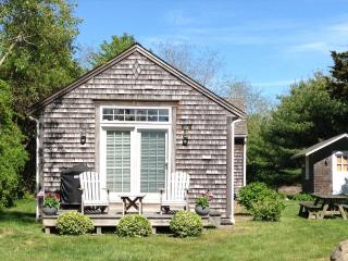 Charming 2 bedroom East Orleans Cottage with Deck - East Orleans vacation rentals