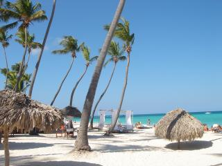 Punta Cana, Los Corales, Condo right on the beach - Bavaro vacation rentals