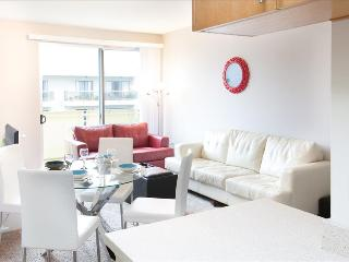 2 Bedroom Apartment Walk to LA Beach - Venice Beach vacation rentals