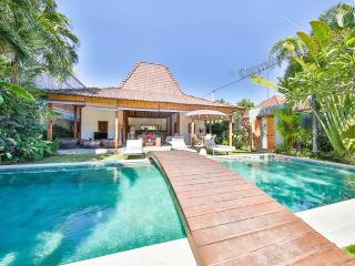 Exclusive 4 bedrooms Villa in Seminyak / Oberoi - Seminyak vacation rentals