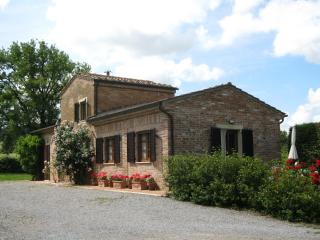 charming cottage in peaceful country setting - Montepulciano vacation rentals