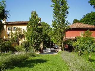 Bright 4 bedroom Portogruaro Apartment with Internet Access - Portogruaro vacation rentals