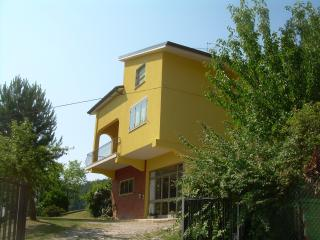 3 bedroom Bed and Breakfast with Internet Access in Mercatello sul Metauro - Mercatello sul Metauro vacation rentals