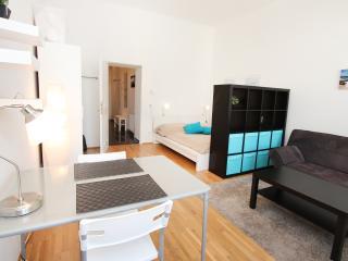 32m² Urban Studio for 2 People - Vienna vacation rentals