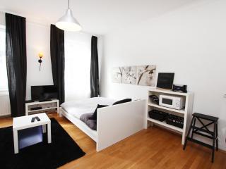 35m² Stylish Studio for 2 People - Vienna vacation rentals