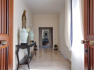Kometa Suites & Apartments - Florence vacation rentals