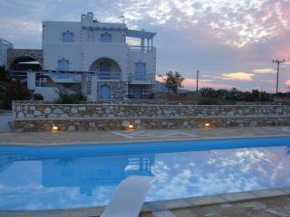 Villa Antiparos for 10-12 people close to the sea - Naoussa vacation rentals