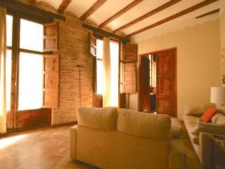 Sunny Condo with Internet Access and A/C - Valencia vacation rentals