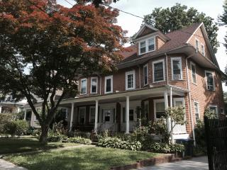 Elegant, Newly Renovated 5 Bedroom Home - White Plains vacation rentals